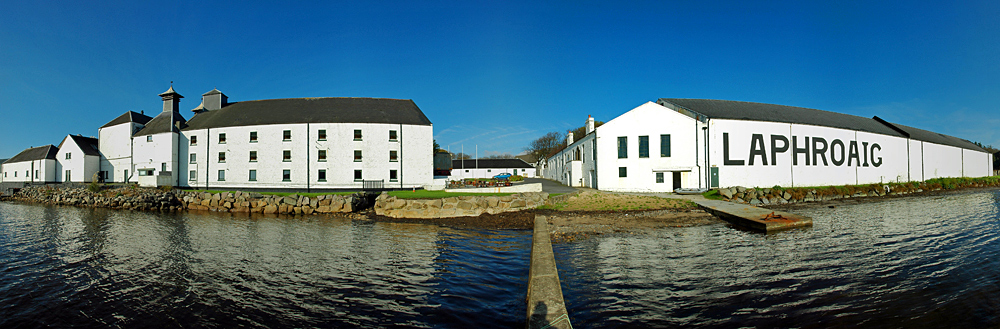 Panoramic picture of Laphroaig distillery