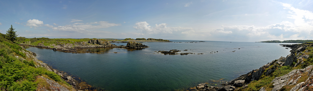Panoramic picture of a coastal landscape with skerries
