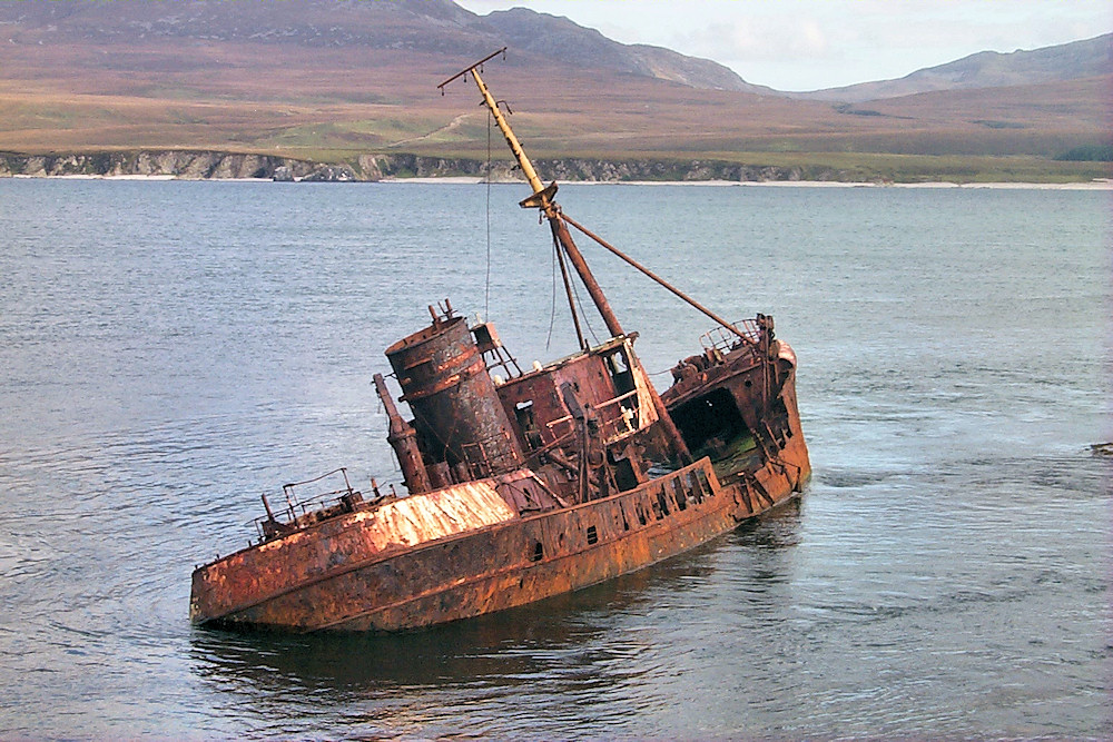 Picture of a the wreck of the trawler Wyre Majestic in the Sound of Islay