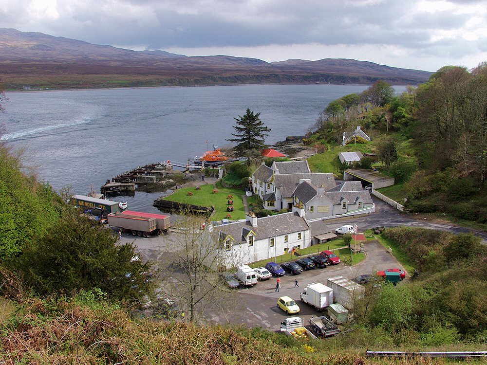 Picture of the harbour of Port Askaig as it looked in 2003