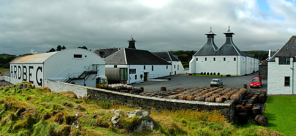 Picture of a panoramic view over Ardbeg distillery