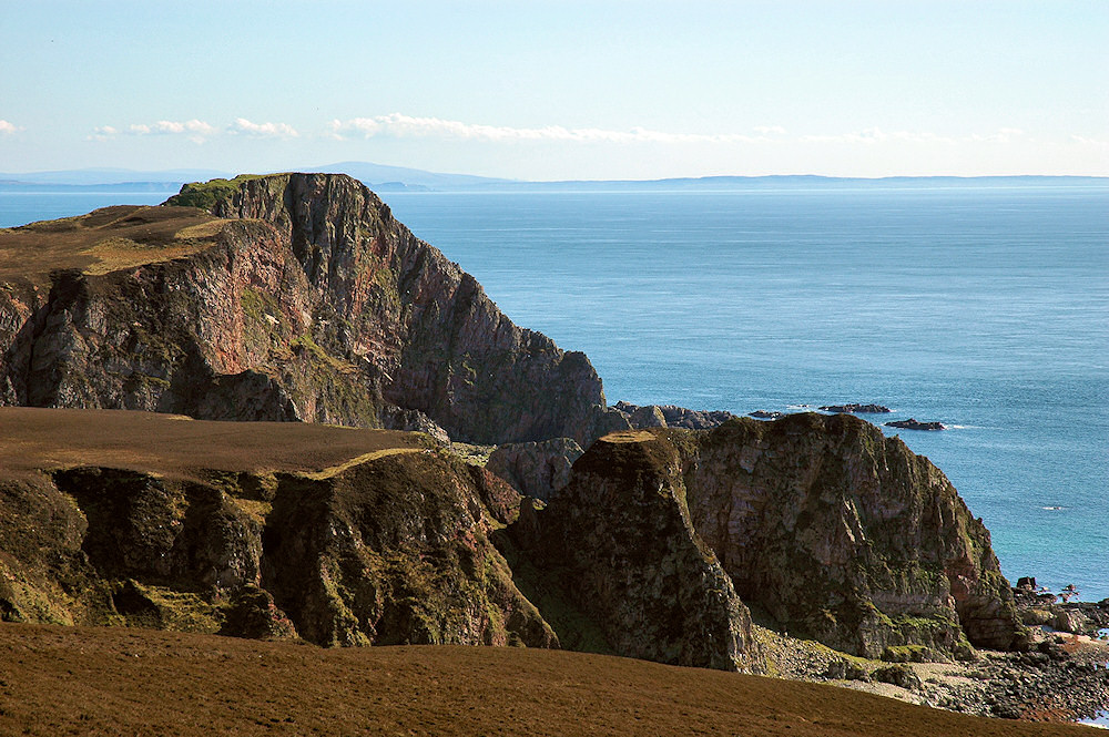 Picture of steep cliffs along a dramatic coastline