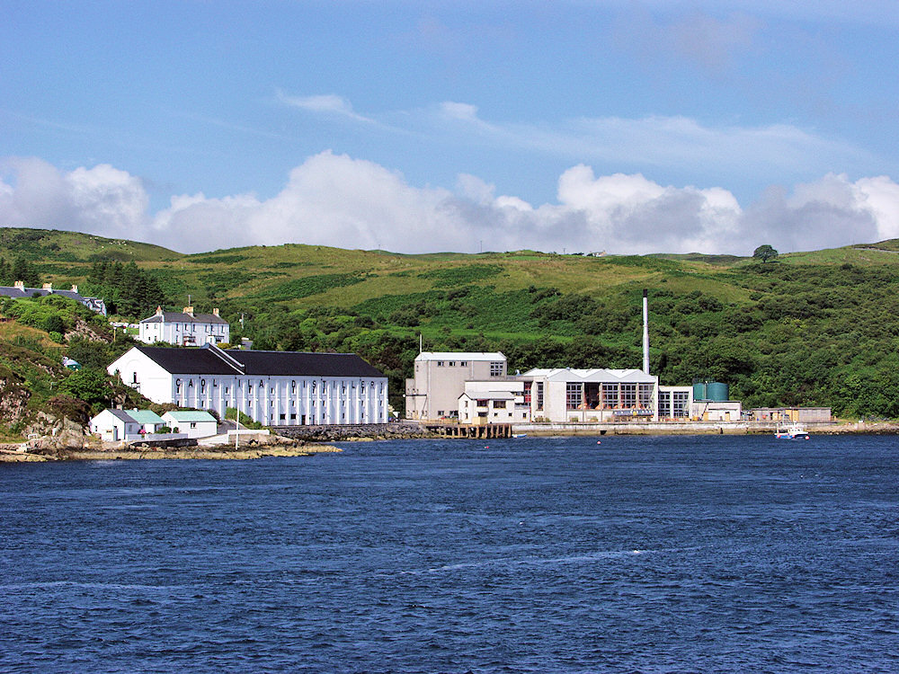 Picture of a coastal distillery on the shore of a sound