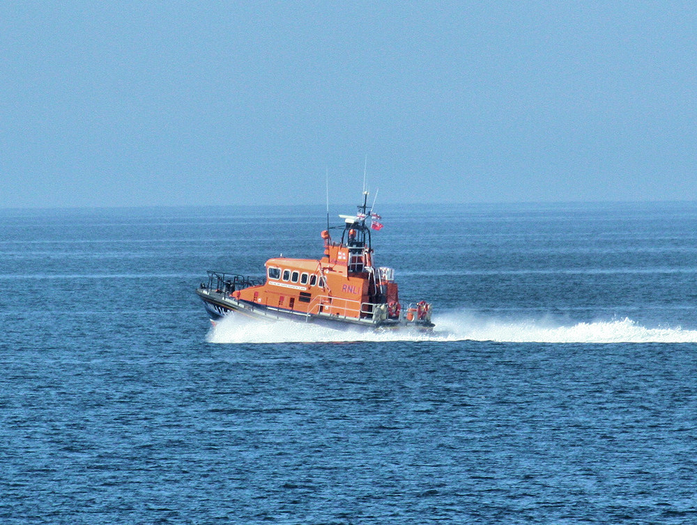 Picture of a RNLI lifeboat cruising