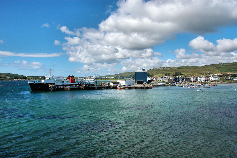 Picture of a small harbour with a ferry pier and a yacht marina
