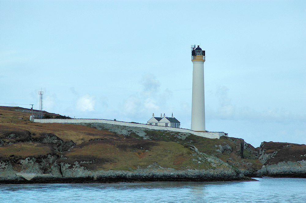 Picture of a lighthouse in a remote location