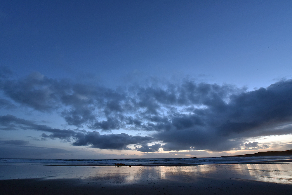 Picture of a beach in the gloaming
