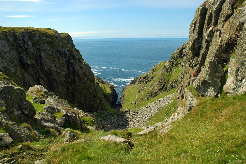 Picture of a steep cut in sea cliffs