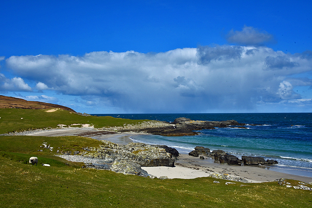 Threatening cloud at Sanaigmore Bay, Isle of Islay