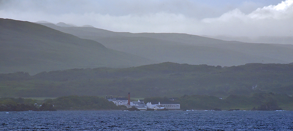 Picture of Lagavulin distillery seen from the Islay ferry