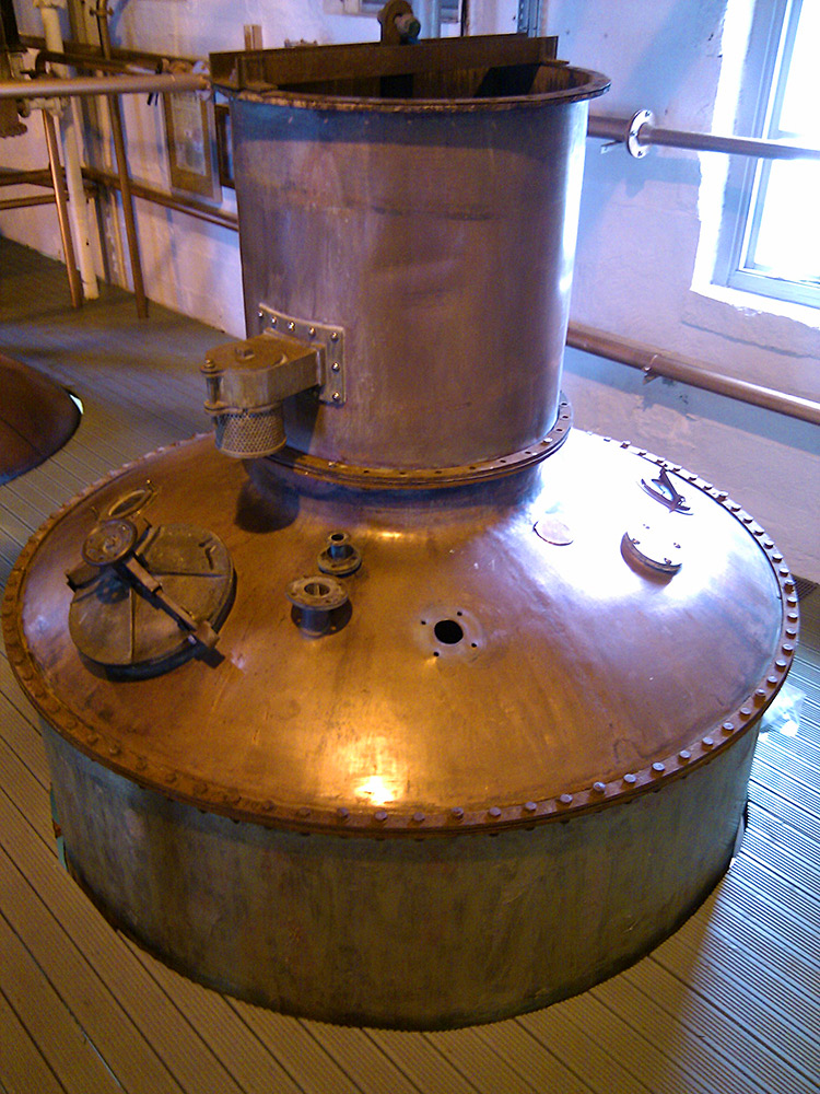 Picture of an incomplete Ugly Betty still at Bruichladdich distillery during its restoration