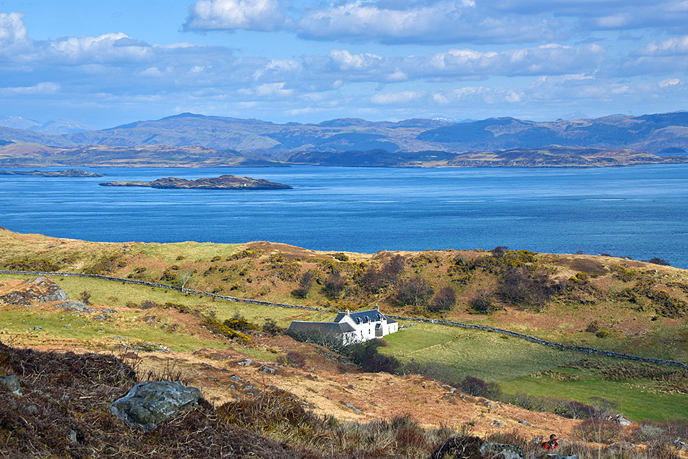 Picture of remote house in a coastal landscape (Barnhill on the Isle of Jura)